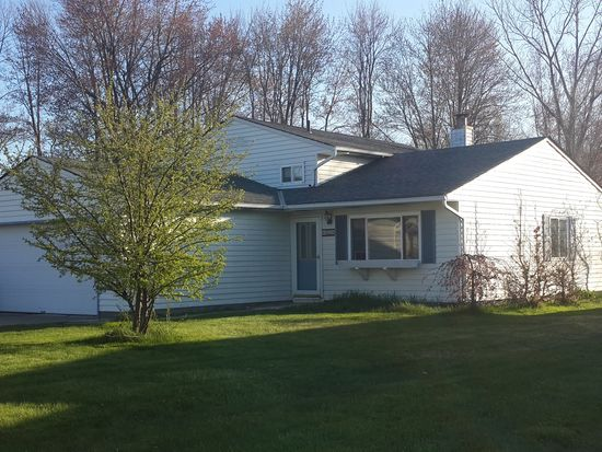 435 Hickory Ln, Painesville, OH 44077