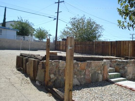 720 Flora St, Barstow, CA 92311