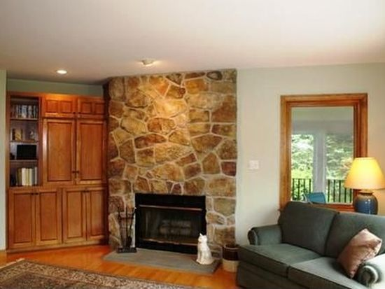 27 Lubberland Dr, Newmarket, NH 03857