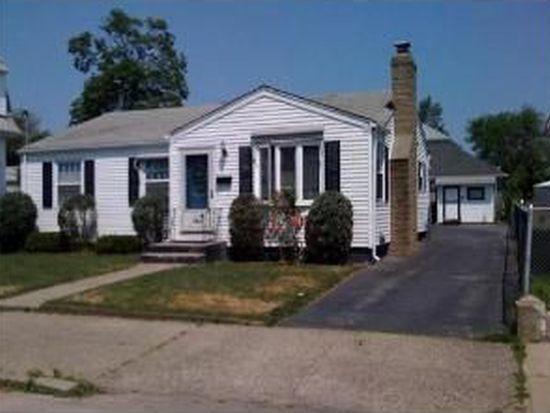 184 Suffolk Ave, Pawtucket, RI 02861