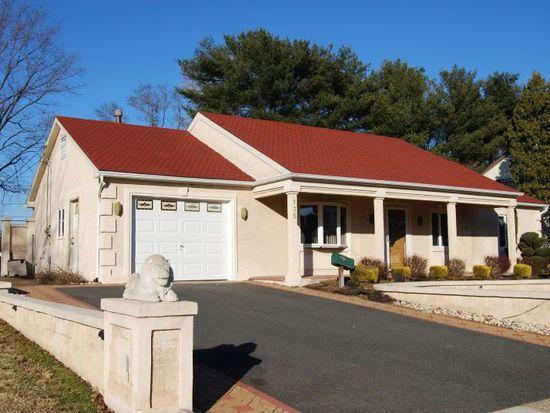 135 Toledo Ln, Willingboro, NJ 08046