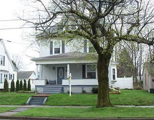 438 N Center St, Grove City, PA 16127