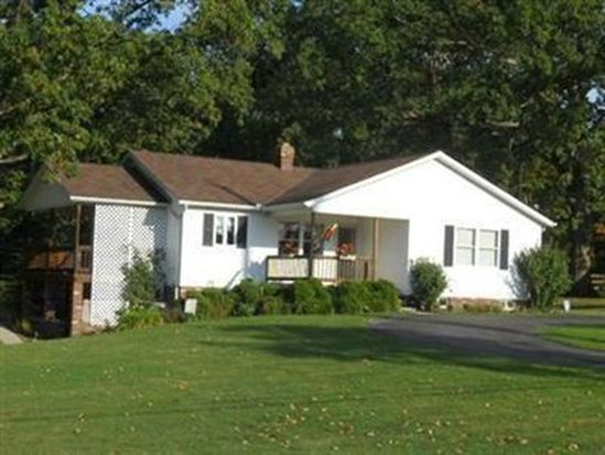 15185 Lake St, Middlefield, OH 44062