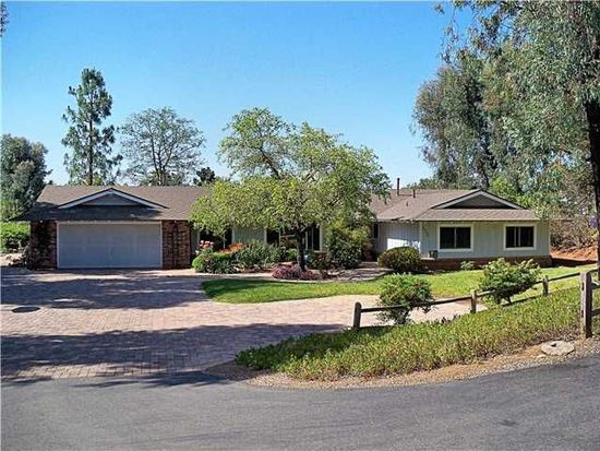 555 Arabian Ranch Way, Vista, CA 92084