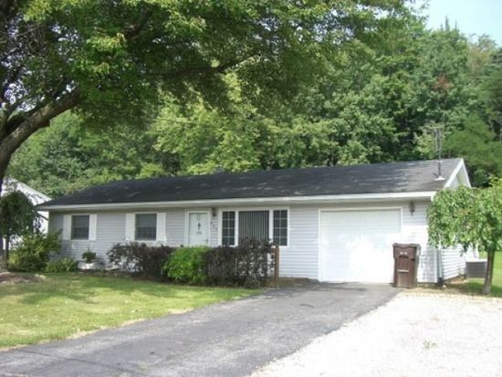 945 Clarksville Rd, Hermitage, PA 16148