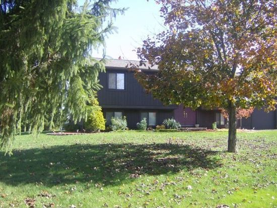 3698 Clearview Dr, Hermitage, PA 16148