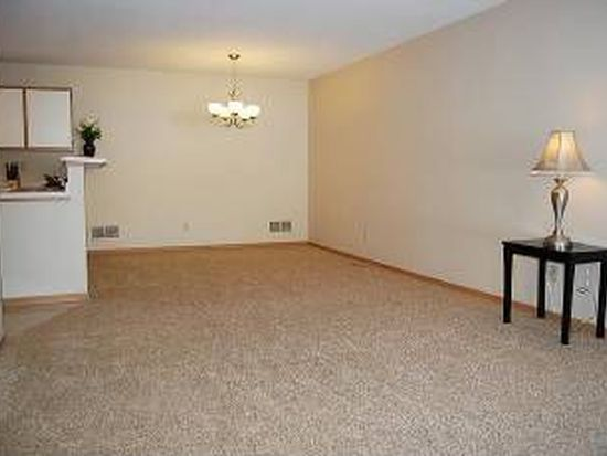 6155 Courtly Alcove APT B, Woodbury, MN 55125