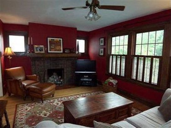 2538 Queenston Rd, Cleveland Heights, OH 44118