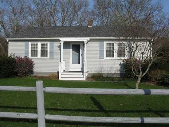 65 Cleveland St, South Kingstown, RI 02879