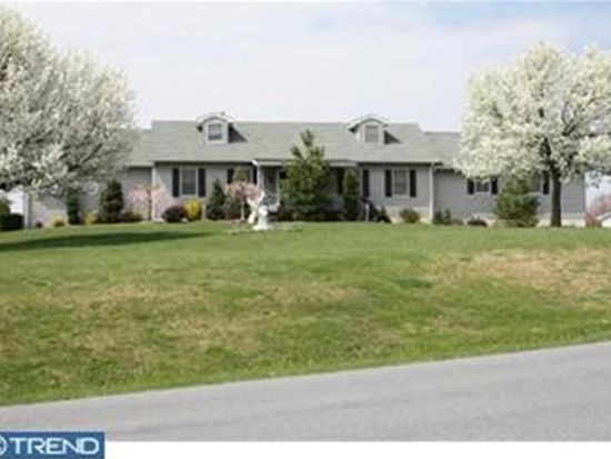 145 Sleepy Hollow Dr, Mohrsville, PA 19541