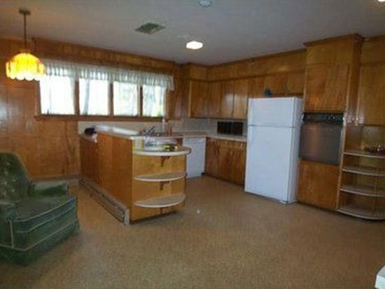 2686 Woodhill Dr, Hermitage, PA 16148