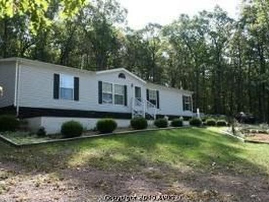 220 Lodge Ln, Winchester, VA 22603