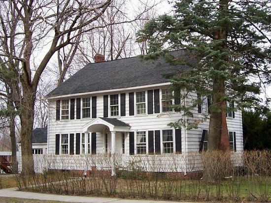 90 Forest St, Worcester, MA 01609