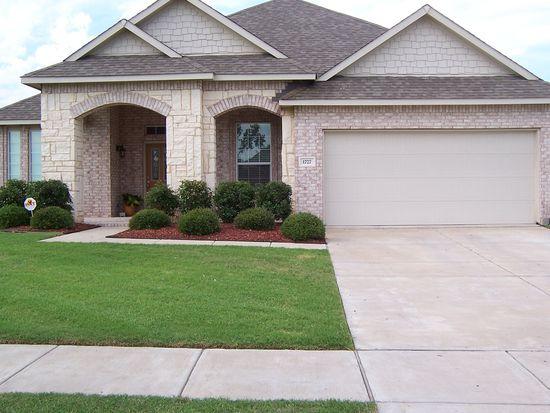 1727 Chadwick Dr, Cedar Hill, TX 75104