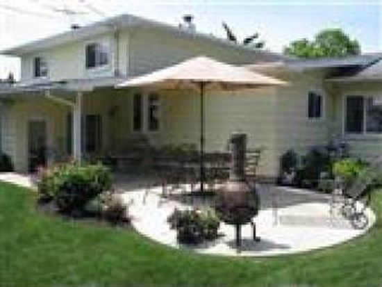 6027 Park Ridge Dr, North Olmsted, OH 44070