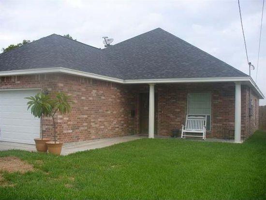 4916 Garfield Ave, Groves, TX 77619