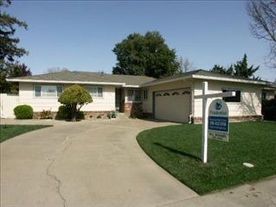 889 Royal Green Ave, Sacramento, CA 95831