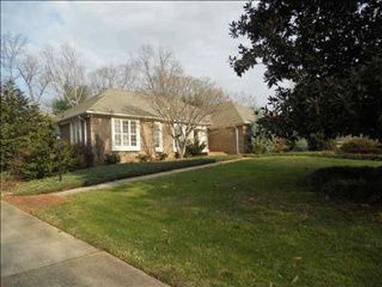 8 Coventry Rd, Greenville, SC 29615