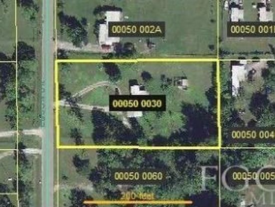 8009 Ebson Dr, North Fort Myers, FL 33917