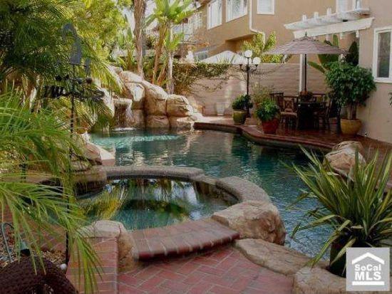 9301 Lawton Dr, Huntington Beach, CA 92646