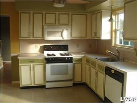 104 Ridgeline Ln, Easton, PA 18045