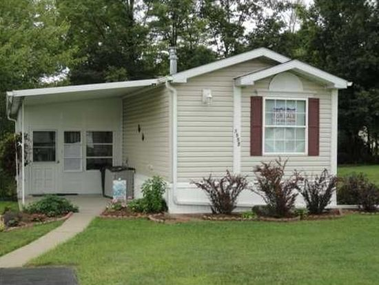 1557 Lee Ln, Grove City, PA 16127