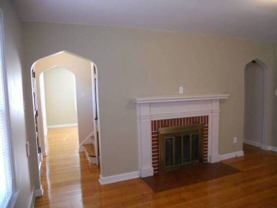 36 Bankers Ln, Indianapolis, IN 46201