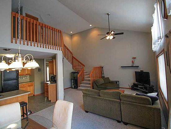 3610 Stoneview Cir SW, Cedar Rapids, IA 52404