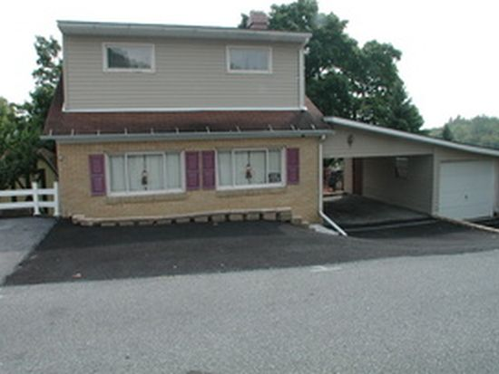 1221 28th Ave, Altoona, PA 16601