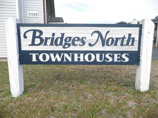 3320 Bridges St, Morehead City, NC 28557