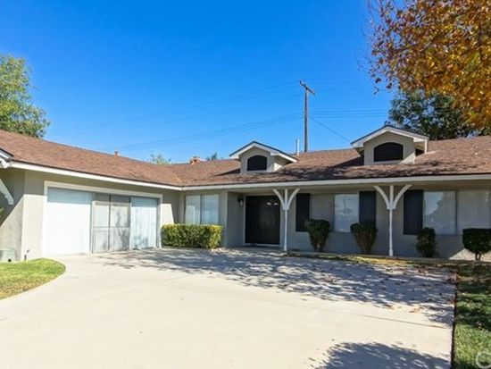 27155 Clifton St, Highland, CA 92346