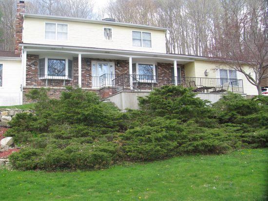 221 Barger St, Putnam Valley, NY 10579