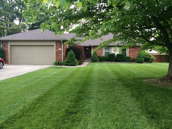 620 Green Meadow Dr, Greenwood, IN 46143