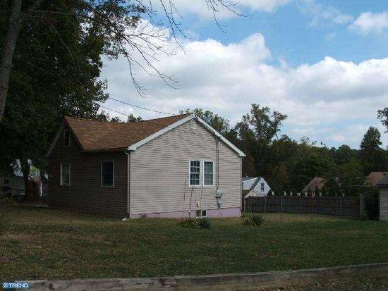 2043 Oakford Ave, Feasterville Trevose, PA 19053