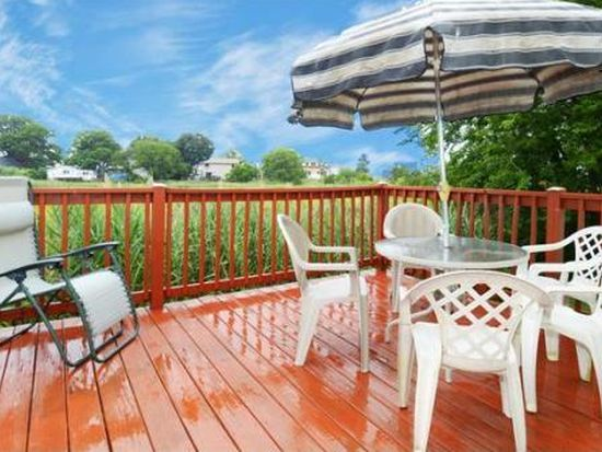 16 Noanet St, Quincy, MA 02169