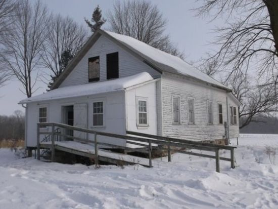 5228 Woods Rd, Athens, WI 54411
