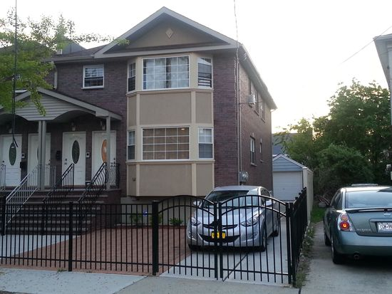 14240 249th St, Rosedale, NY 11422