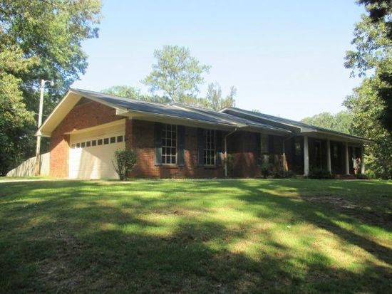 202 W Rogers Dr, Fulton, MS 38843