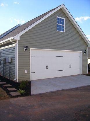 525 Capstone Dr, Lynchburg, VA 24502