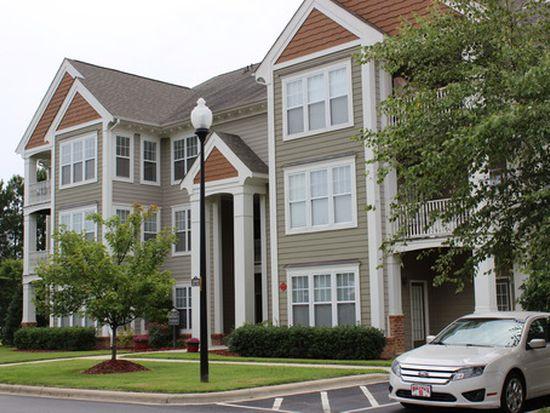 1812 Parkside Village Dr, Clayton, NC 27520