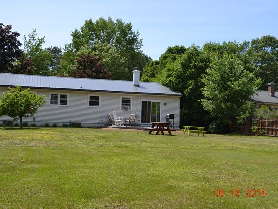 16 Maple Wood Dr, South Burlington, VT 05403