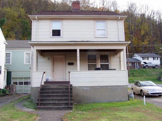 715 1st Ave, Montgomery, WV 25136
