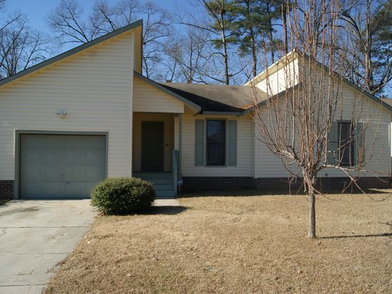 6785 Candlewood Dr, Fayetteville, NC 28314