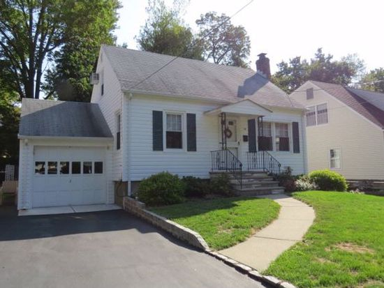 18 Gates Ave, Roseland, NJ 07068