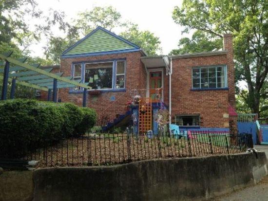 3220 Ivyland Dr, Roanoke, VA 24014