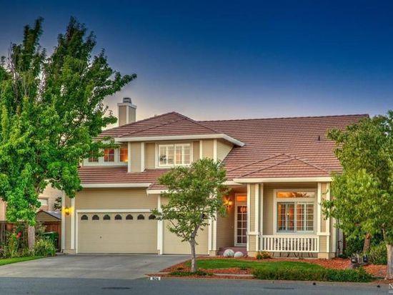 926 Kensington Pl, Petaluma, CA 94954