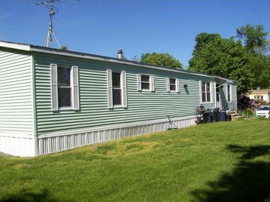 97 Lillian Ave, Seabrook, NH 03874