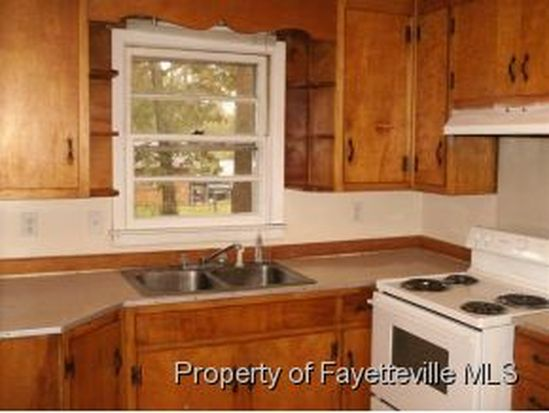 285 Channing Dr, Fayetteville, NC 28303