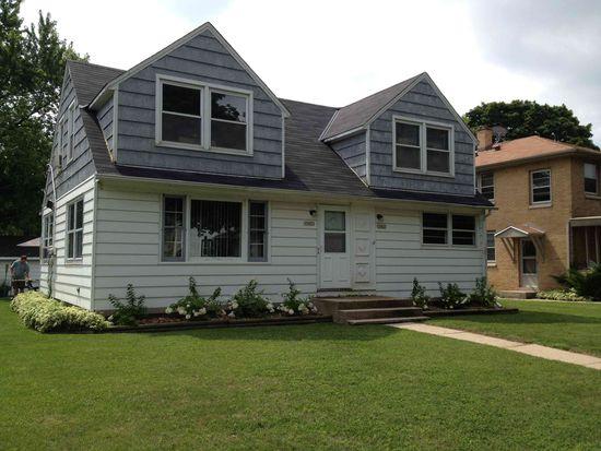10423 W Garfield Ave, Wauwatosa, WI 53226