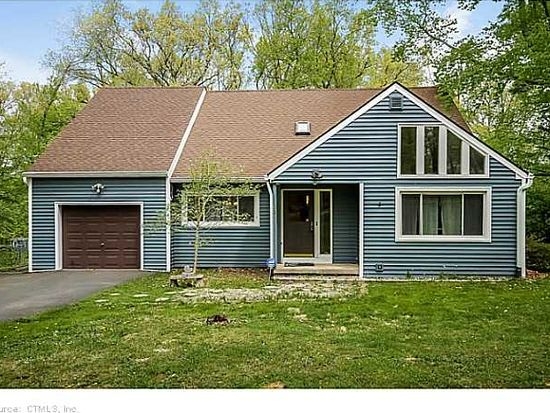 28 Grant Hill Rd, Bloomfield, CT 06002